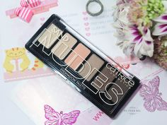 Палетка теней для век Catrice Sand Nudes Eyeshadow Palette 010 Hug S'and Kisses