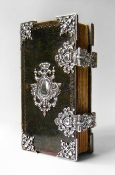18th-century New Testament + Psalter with Frysian silver