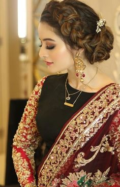Ideas Hair Color Asian Eyeliner For 2019 - Hochzeit Pakistani Bridal Makeup, Pakistani Wedding Outfits, Bridal Outfits, Pakistani Dresses, Pakistani Hair, Pakistani Suits, Party Hairstyles, Wedding Hairstyles, Indian Hairstyles