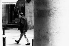 Blackand White Street Photography in Bordeaux - Stranded with addiction #blackandwhite #streetphotography #bordeaux