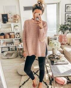Discover recipes, home ideas, style inspiration and other ideas to try. Cozy Fall Outfits, Lazy Day Outfits, Cute Comfy Outfits, Mom Outfits, Spring Outfits, Outfit Winter, Cute Lounge Outfits, Comfortable Outfits, Modest Outfits