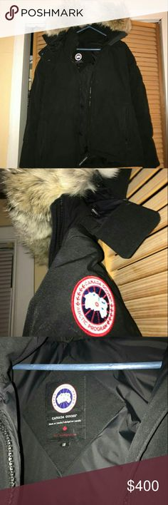 CANADA GOOSE CHELSEA PARKA SIZE LARGE Warm jacket with coyote fur hood Canada Goose Jackets & Coats Puffers