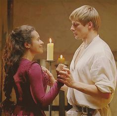 Reality Check: Amusing Convo Today re Arwen's Avatars - arthur-and-gwen Photo