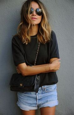 On aime les cheveux de : Sincerely Jules Sincerely Jules Hair inspo Womens Fashion Casual Summer, Womens Fashion For Work, Look Fashion, Fashion Women, Quoi Porter, Style Casual, Mode Inspiration, Mode Style, Women's Fashion Dresses