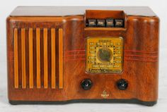 1939 Art Deco Emerson 282 Ingraham Wood Cabinet Radio