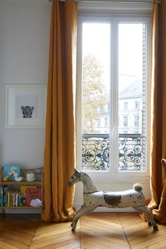This Parisian Apartment Will Make You Want A Velvet Sofa 11 - houseinspira Decor, Home Decor Accessories, Home, Home Remodeling, Paris Interiors, Apartment Decor, French Country Living Room, Childrens Bedrooms, Parisian Apartment