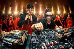 Skrillex from picture gallery EDM  Skrillex & Alvin Risk – TRY IT OUT (Neon Mix) [Music Video]  Footage by Liam Underwood and Josh Goleman Edited by Paul Greenhouse Directed by Skrillex and Alvin Risk   EDM plur plurnt musicvideo electronicmusic