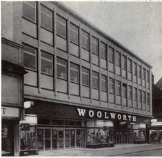 Old Photos, Multi Story Building, England, Architecture, Street, Shops, Food, Old Pictures, Arquitetura