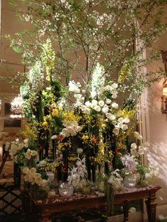 flower arrangement at the Ritz Paris this past weekend....Easter.