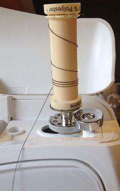 astuce terrible pour remplir des bobines avec un cône de fil, pratique pour démultiplier le fil sur une surjeteuse!