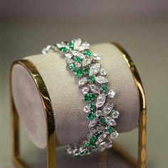Graff Rhythm Collection @italdizain #graff #diamonds #emeralds #bracelet http://www.allthingsvogue.com