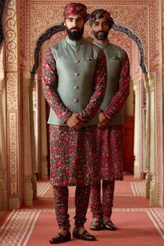 Nehru Jacket,Indian Ethnic Quilted Waist Coat for Men, Wedding Festival Wear Nehru jacket,Modi Sleeveless jacket,Koti Waistcoat Jacket by PARIVAR on Etsy Mens Indian Wear, Mens Ethnic Wear, Indian Groom Wear, Indian Men Fashion, Mens Fashion Suits, Mens Suits, Wedding Dresses Men Indian, Wedding Dress Men, Wedding Men