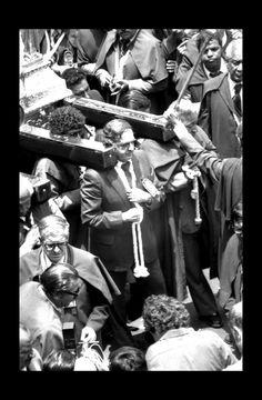 Devotos en Procesión Señor de los Milagros Lima Perú