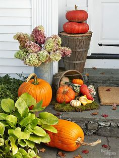 We love all that fall has to offer -- pumpkins, flowers, baskets, and leaves!