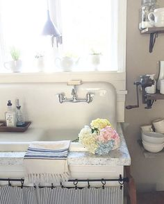 Eclectic Home Tour - The Willow Farmhouse Antique drainboard sink in this charming farmhouse kitchen eclecticallyvinta. Always wanted to discover ways to knit, . Cottage Kitchens, Farmhouse Sink Kitchen, Shabby Chic Kitchen, Kitchen Redo, Home Kitchens, Barn Kitchen, Kitchen Black, Modern Kitchens, Kitchen Sinks