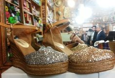 CASA HERNANZ Obi Glitter Platform High Wedges | SPANISH SHOP ONLINE Trendy and comfy Espadrilles.  Whether partying in the Balearics or at a BBQ, you'll have a Fiesta in these espadrilles. The glittery toe adds some serious summer sparkle to a traditionally chic silhouette.  #glitter #wedges