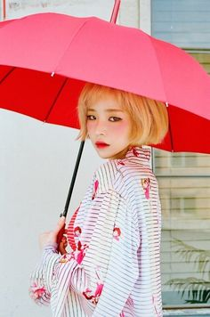 Ga In dropped additional teaser images for her long overdue comeback. The singer continues the delicate, flower girl theme in these teasers,… Kpop Girl Groups, Kpop Girls, Korean Girl, Asian Girl, Umbrella Photography, Ga In, Brown Eyed Girls, Girl Themes, Dark Skin Tone