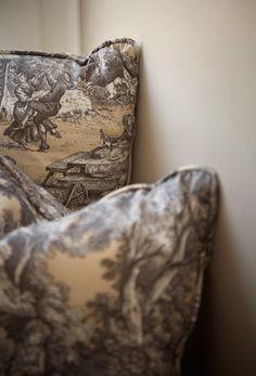 ZsaZsa Bellagio, toile pillows