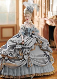 Reading Treasure: Barbie Travels to the 18th Century-  Queen Marie Antoinette