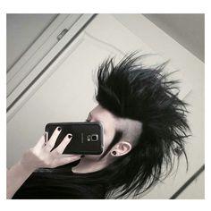 Miss my mohawk ♡ Goth Hair, Edgy Hair, Funky Hair, Gothic Hairstyles, Mohawk Hairstyles, Mohawk Styles, Short Hair Styles, Goth Makeup, Hair Makeup