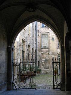 Archway, Avignon France