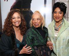 Debbie Allen, Vivian Ayers, and Phylicia Rashad Beautiful Family, Beautiful Women, Condola Rashad, Tribute To Mom, Tv Moms, Phylicia Rashad, Debbie Allen, The Cosby Show, St Joan