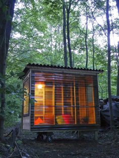 Relaxshacks.com: A tiny house/study pod for an NYU Professor….on wheels