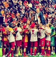 Fatih Terim and soldier's
