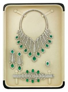 EMERALD AND DIAMOND PARURE, BY ELIE CHATILA