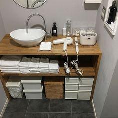 女性で、4LDKのサニタリールーム/洗面台/洗面所/洗面所DIY/洗面台DIY/無印良品…などについてのインテリア実例を紹介。「無印揃え( ˆ࿀ˆ )」(この写真は 2017-06-30 11:32:56 に共有されました)