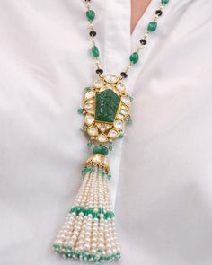 Boho Jewelry This elegant necklace by Jewels of Jaipur, blends two iconic styles - Mughal Art Deco. The carved Emerald is beautifully encased with a… - Royal Jewelry, Emerald Jewelry, Men's Jewelry, Pearl Jewelry, Indian Jewelry, Pendant Jewelry, Diamond Jewelry, Beaded Jewelry, Fine Jewelry