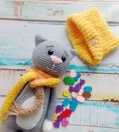 Amigurumi crochet cat pattern with accessories