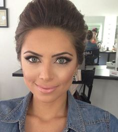 Love this for bridal makeup, her eyes look huge!