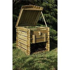 Forest Garden Beehive Compost Bin - All About Outdoor Compost Bin, Wooden Compost Bin, Garden Compost, Gardening, Diy Compost Bin, Garden Bed, Vegetable Garden, Back Gardens, Outdoor Gardens