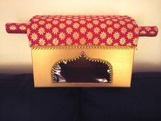 Doli wedding lengha saree gift box Wedding Crafts, Diy Wedding Decorations, Diy Wedding Hangers, Coconut Decoration, Sister Christmas Presents, Diy Garden Table, Bangle Box, Wedding Gift Boxes, Indian Crafts