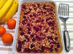 Raspberry Almond Baked Oatmeal with Quinoa