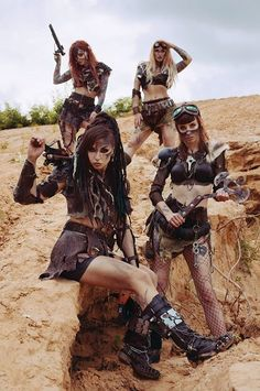 A curated collection of steampunk and dieselpunk fashion to bring out your unique style. Post Apocalyptic Costume, Post Apocalyptic Art, Post Apocalyptic Fashion, Post Apocalyptic Clothing, Lolita Cosplay, Mode Steampunk, Steampunk Fashion, Festival Looks, Mode Mad Max
