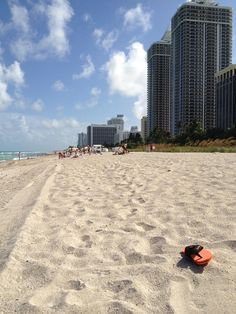 Like, if you would trade your white winter for a hot Miami Beach experience!  Photo by Teia Rolfes #guestphototuesday #GrandBeachMiami #MiamiWinter