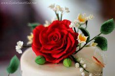 cake design rose gumpaste