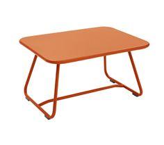 Dieser Stilvolle Sixties Beistelltisch Wurde 2011 Von Frédéric Sofia Für  Den Gartenmöbel Hersteller Fermob Designed.Wir Empfehlen Ihnen Passend Zu  Diesem ...