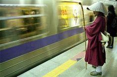 僧侶と地下鉄 monk and subway
