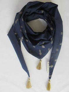 Chèche ou Foulard Ananas bleu marine & doré : Echarpe, foulard, cravate par poisson-d-avril