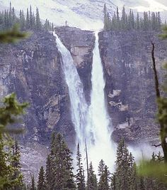 Twin Falls, Idaho - been in this town many times and never got to see the falls - bucket list! Beautiful Places To Visit, Oh The Places You'll Go, Us Travel, Places To Travel, Twin Falls, Beautiful Waterfalls, Adventure Is Out There, The Great Outdoors, Wisconsin