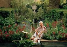 Nicky Haslam's Garden at Odiham Hunting Lodge Nicky Haslam, Man About Town, London Garden, Cecil Beaton, What Lies Beneath, Bill Blass, Joan Crawford, Hollywood Stars, Rolling Stones