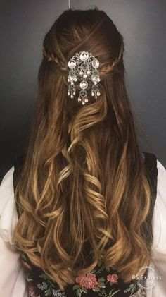Long Hair Styles, Celebrities, Beauty, Closet, Celebs, Beleza, Armoire, Long Hair Hairdos, Cabinet