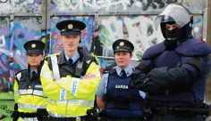 Members of Garda Síochána, The is listed (or ranked) 5 on the list What Police Uniforms Look Like Around the World Military Special Forces, Police Uniforms, Trending Memes, Law Enforcement, Armed Forces, Arrow, Movie Tv, Ireland, Around The Worlds