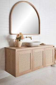 Banheiro palhq Bathroom Interior Design, Home Interior, Interior Decorating, Bathroom Renos, Laundry In Bathroom, Bathroom Furniture, Timber Vanity, Arch Mirror, Interior Minimalista