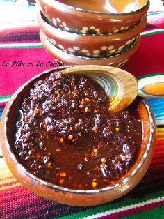 Salsa de Chile de árbol, fríta en aceite.