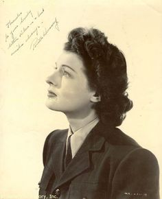 Ruth Hussey #hair #hairstyle #vintage #1940s #portrait #actress