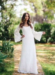Don't you love this dress designed by the Olsen twins. #lace #wedding dress #1970s inspired #my digital wedding